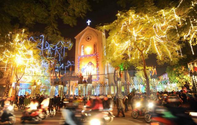 Những điểm sống ảo mùa Giáng sinh chưa bao giờ cũ ở Hà Nội-3