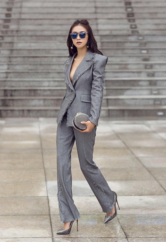 Hot girl - hot boy Việt 15/12: Hạnh Sino khoe giọng hát phía sau vô lăng khiến fan xao xuyến-3