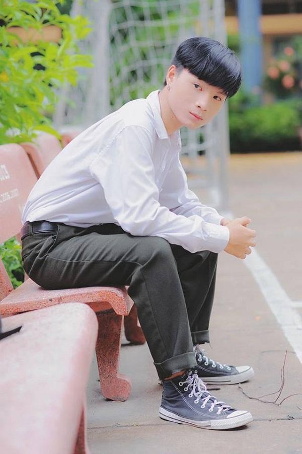 Sở hữu gương mặt 'xấu lạ', nam sinh Bình Thuận vẫn hút 200.000 theo dõi trên Facebook-5