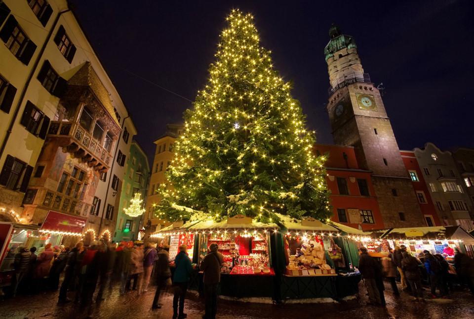 Những cây thông Noel tuyệt đẹp ở châu Âu-5