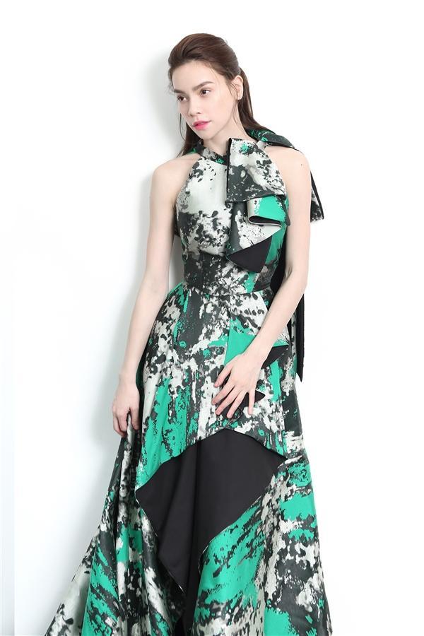 Không thích nhắc về nhau, bất ngờ Minh Hằng vẫn đụng váy áo Hồ Ngọc Hà trong MV mới-6