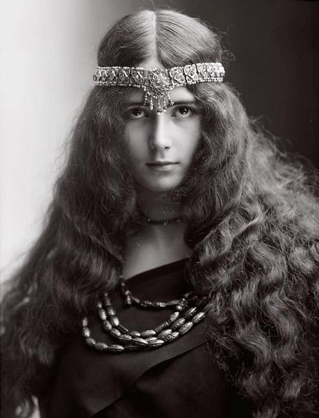 Bi kịch gái bao hạng sang của nữ hoàng sắc đẹp nổi tiếng lịch sử nước Pháp-1