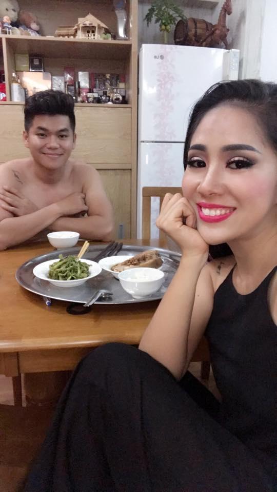 Tin sao Việt: Trấn Thành bị phát hiện ngủ gật trong thang máy-7