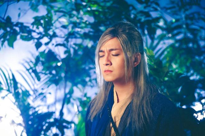MV của Ngô Kiến Huy bị nghi copy ý tưởng Lạc trôi của Sơn Tùng-2