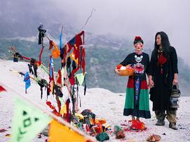 Ảnh cưới chất nhất năm: Tình yêu du mục trên 'ngọn đồi tuyết phủ' đẹp hơn cả MV của Bảo Anh