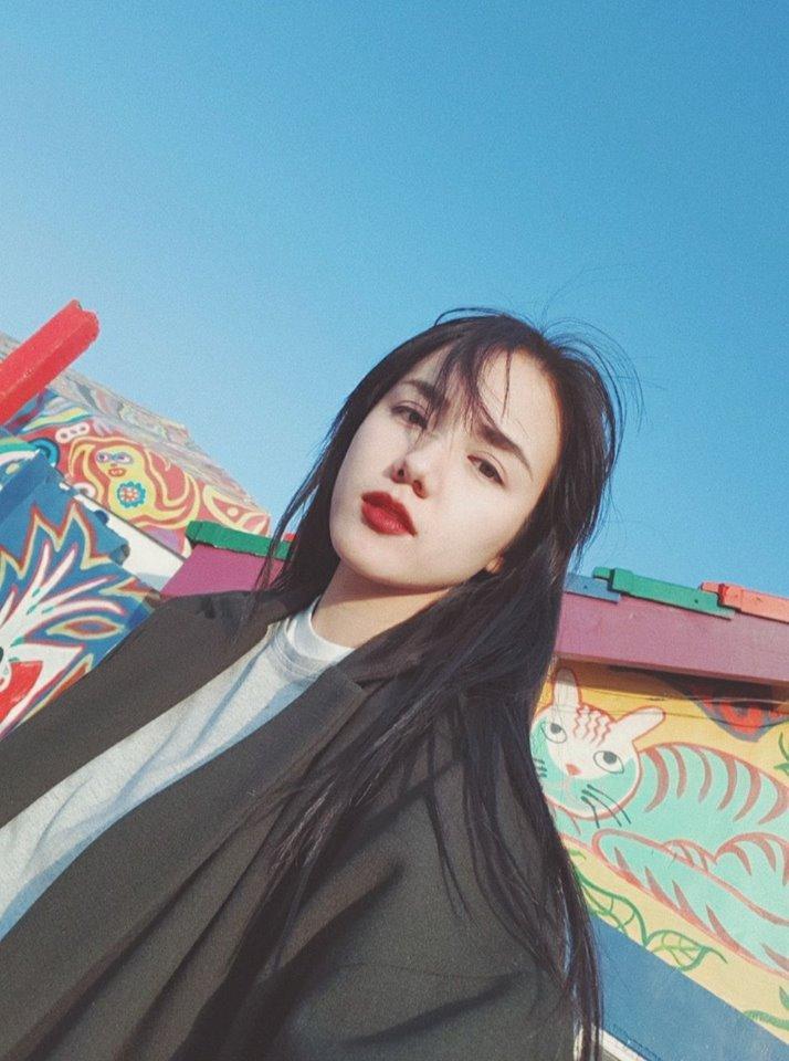 Hot girl - hot boy Việt 16/12: Yến Tatoo đốn tim fan khi song ca Cánh hoa tàn cùng em gái-8