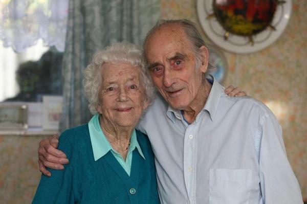 Cứu sống thiếu nữ khỏi chết đuối, 77 năm sau chàng trai có cái kết viên mãn-3