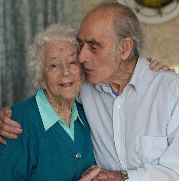 Cứu sống thiếu nữ khỏi chết đuối, 77 năm sau chàng trai có cái kết viên mãn-4