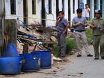 Ảnh hot trong tuần: 'Tá hỏa' phát hiện đầu người trong ba lô vứt vào thùng rác