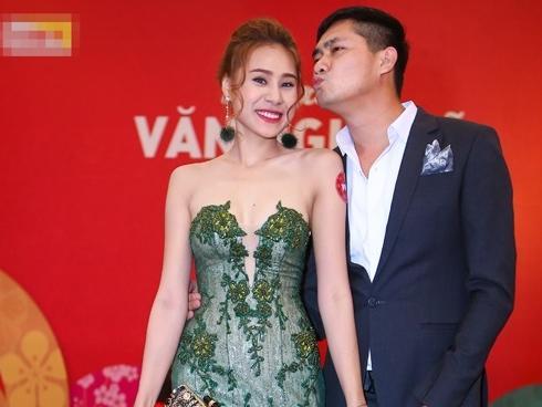 Người đẹp bị Minh Luân chia tay vì còn yêu người cũ lên tiếng tố nam ca sĩ: 'Nhân cách rách chỉ là đồ bỏ đi'