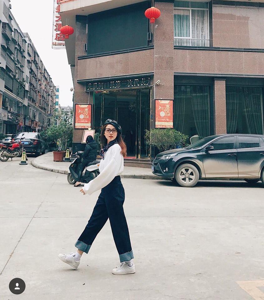 Chưa đến Noel nhưng dàn hot-face Việt đã xúng xính váy áo rực rỡ trong street style tuần này rồi!-6