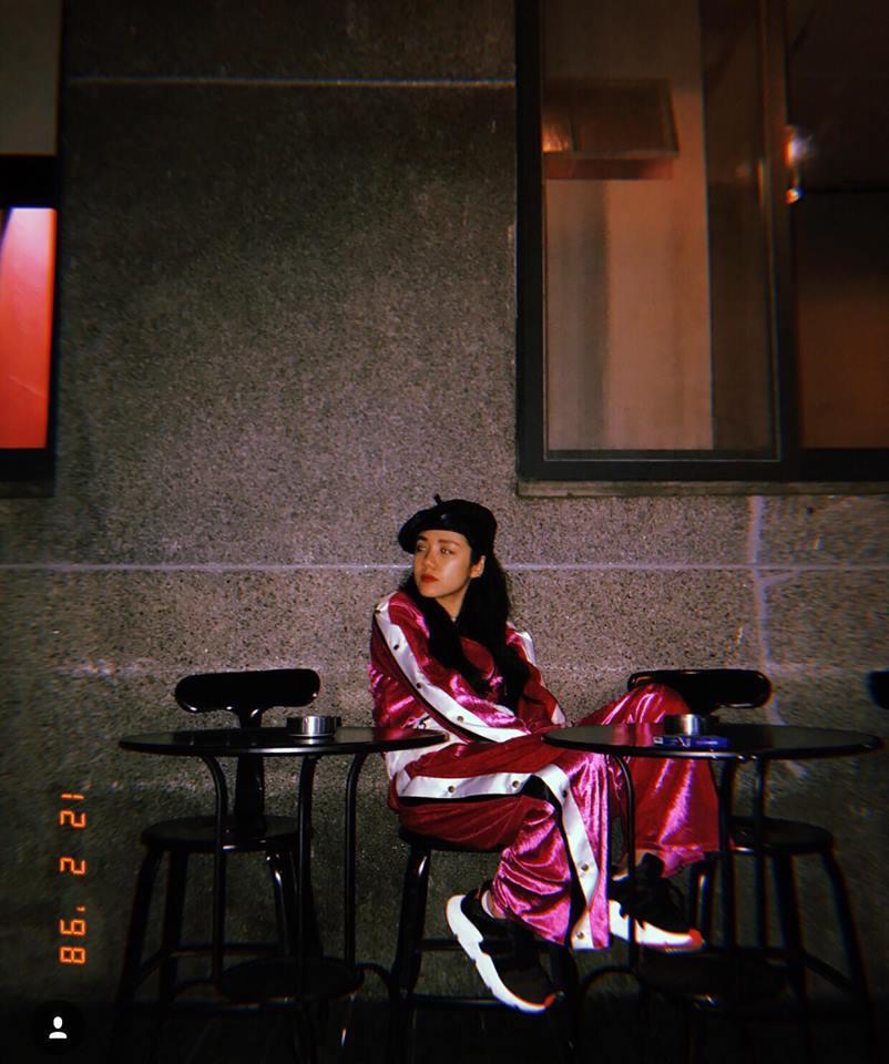 Chưa đến Noel nhưng dàn hot-face Việt đã xúng xính váy áo rực rỡ trong street style tuần này rồi!-7