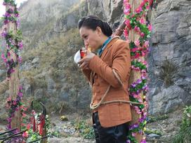 Bữa ăn tạm bợ trên phim trường của sao hạng A Trung Quốc