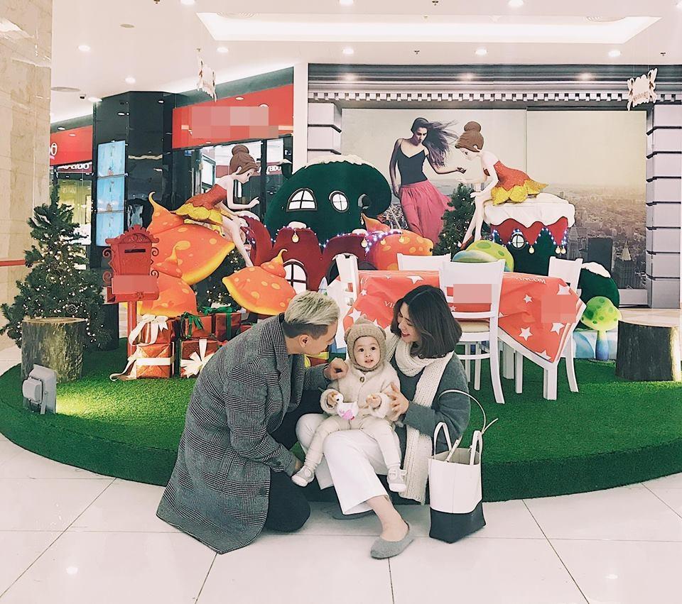 Hot girl - hot boy Việt 18/12: 3 gia đình hot nhất mạng xã hội tưng bừng đón Giáng sinh sớm-1