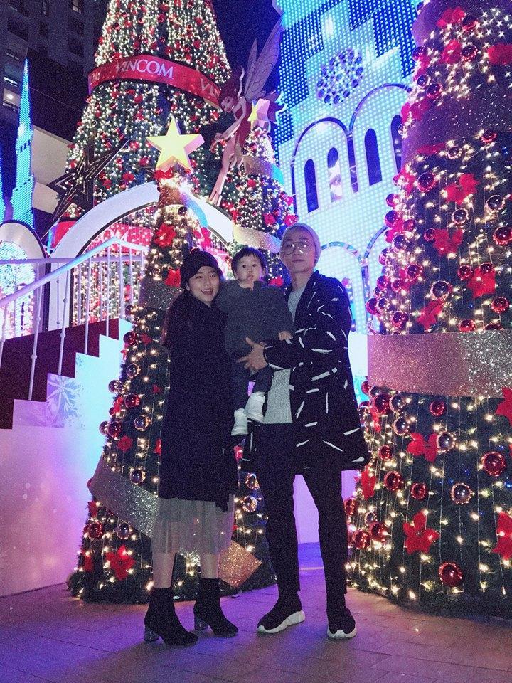 Hot girl - hot boy Việt 18/12: 3 gia đình hot nhất mạng xã hội tưng bừng đón Giáng sinh sớm-4
