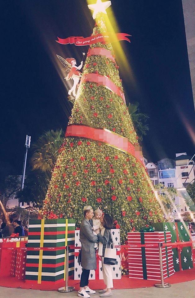 Hot girl - hot boy Việt 18/12: 3 gia đình hot nhất mạng xã hội tưng bừng đón Giáng sinh sớm-2