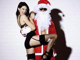 'Xì tai' đồ lót của ông già Noel
