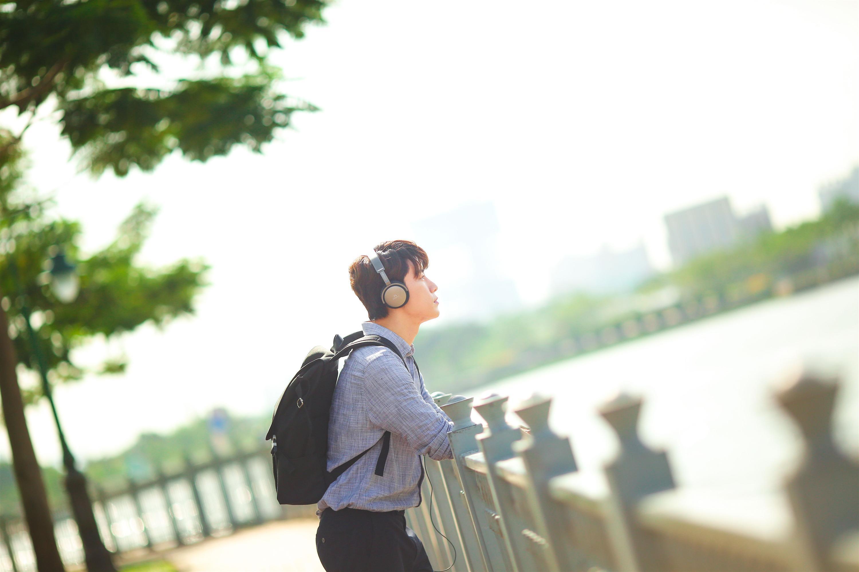 Chi Pu tái xuất với hình tượng nhạc sĩ, cặp kè người tình tin đồn Jin Ju Hyung-8