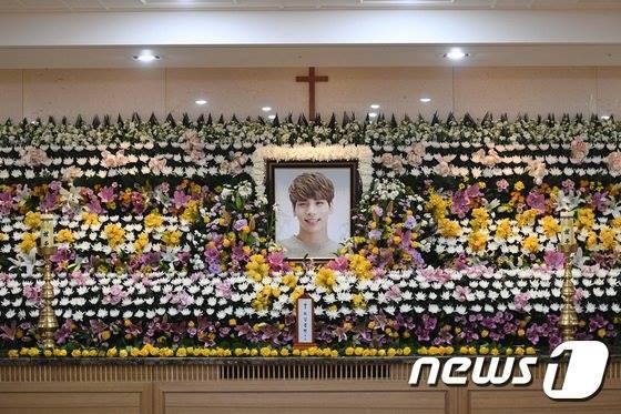 Hình ảnh tang lễ SHINee Jonghyun
