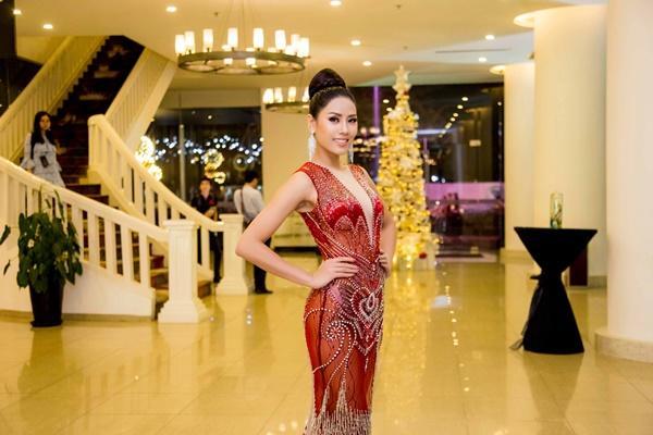Chiêm ngưỡng tài năng mà Nguyễn Thị Loan kém may bị mất lượt tại Hoa hậu Hoàn vũ 2017-2
