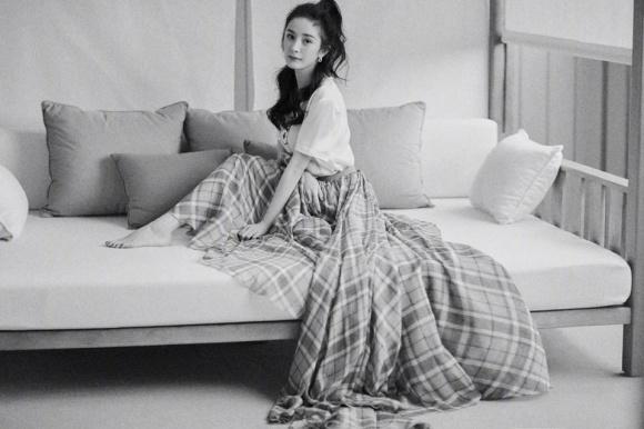 Trời lạnh, Dương Mịch mặc váy như quấn chăn trên thảm đỏ-3