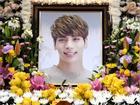 Cộng đồng fan SHINee xôn xao tin người hâm mộ khắp thế giới tìm đến cái chết sau khi nghe tin Jonghyun tự tử