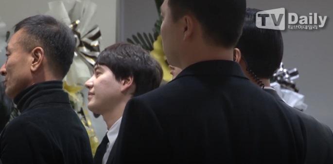 Super Junior, EXO và nước mắt nghệ sĩ ngập đám tang ngôi sao SHINee Jonghyun-11