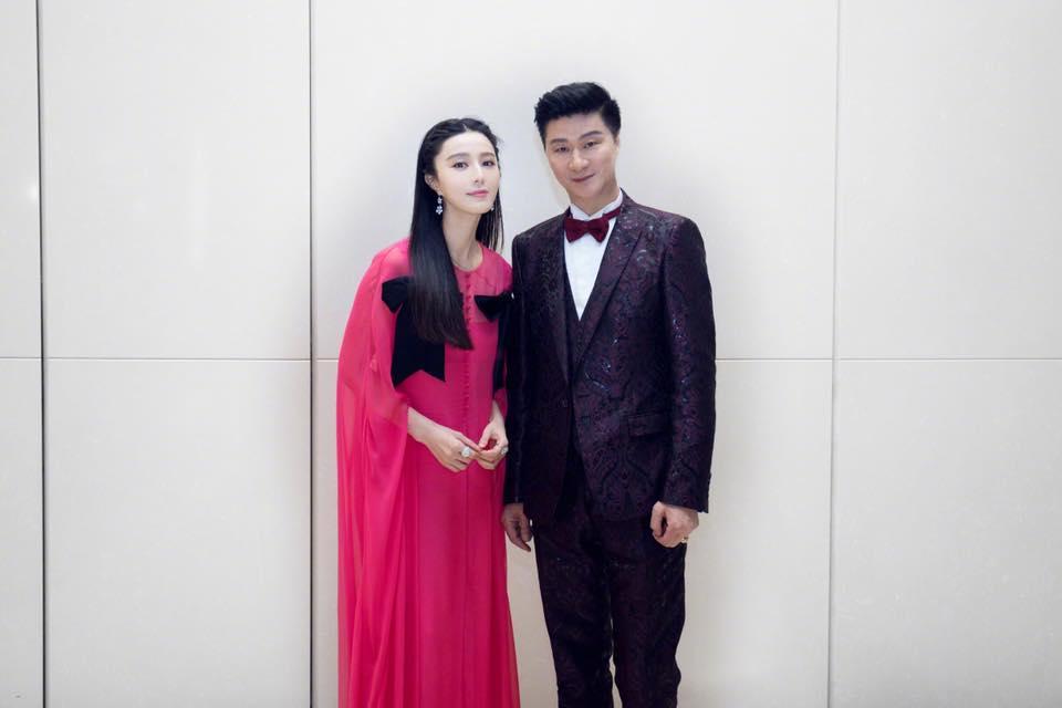 Cha Phạm Băng Băng được khen trẻ như anh trai khi đứng cạnh con gái-5