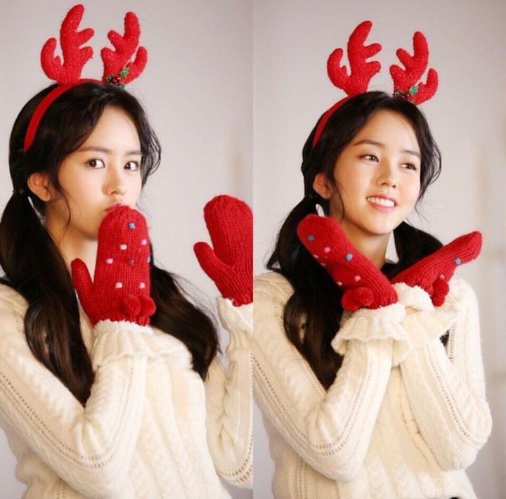 Dàn mỹ nhân Hàn tô đậm không khí Giáng sinh bằng street style sắc màu rực rỡ-9