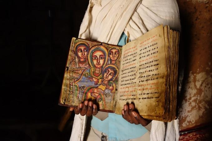 Những nhà thờ bí mật ẩn trong vách đá dựng đứng ở Ethiopia-5