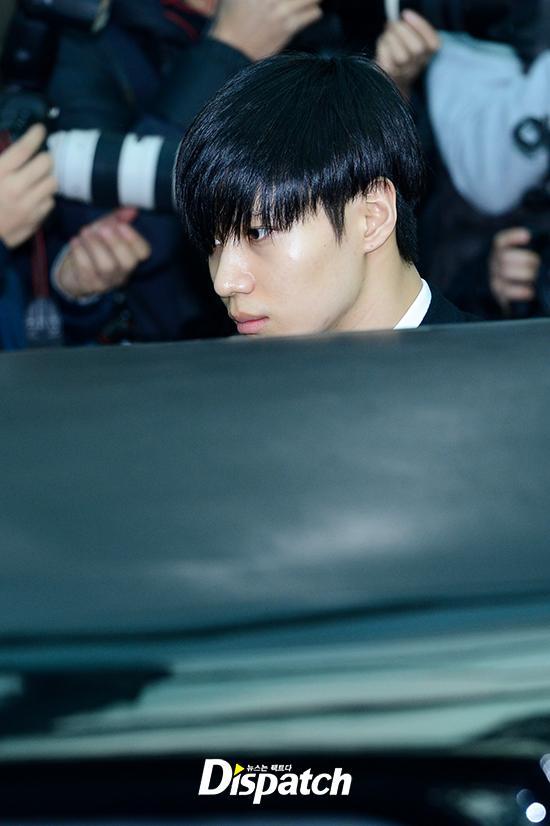 Những giọt nước mắt nghẹn ngào trong lễ tang SHINee Jonghyun-5