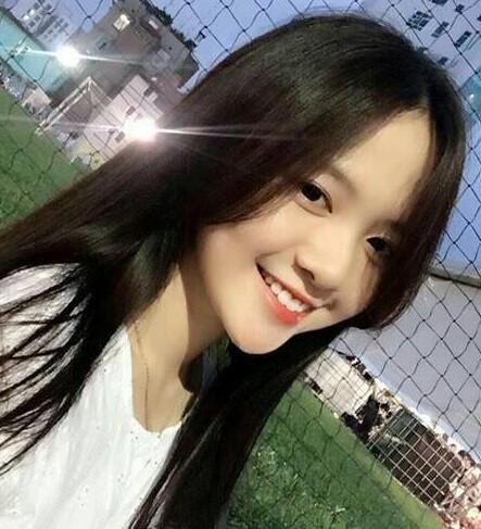 ĐH Hoa Sen lại sáng nhất hôm nay với nữ sinh có nụ cười đẹp khó cưỡng-1