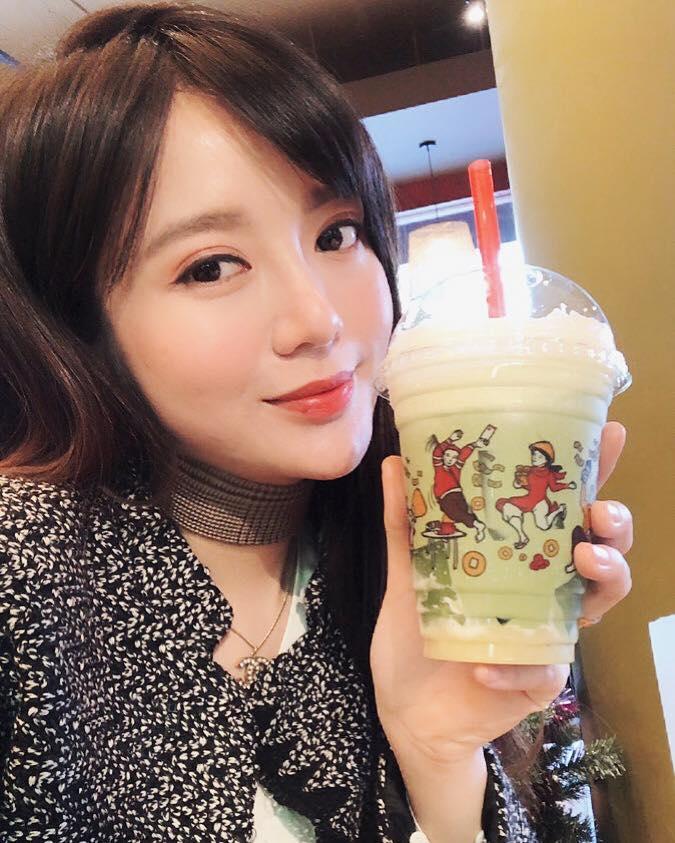 Hot girl - hot boy Việt 22/12: Huyền Baby sành điệu hết ý khi ở Hàn Quốc-7
