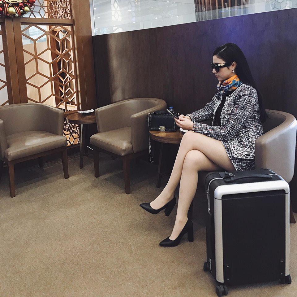Hot girl - hot boy Việt 22/12: Huyền Baby sành điệu hết ý khi ở Hàn Quốc-8