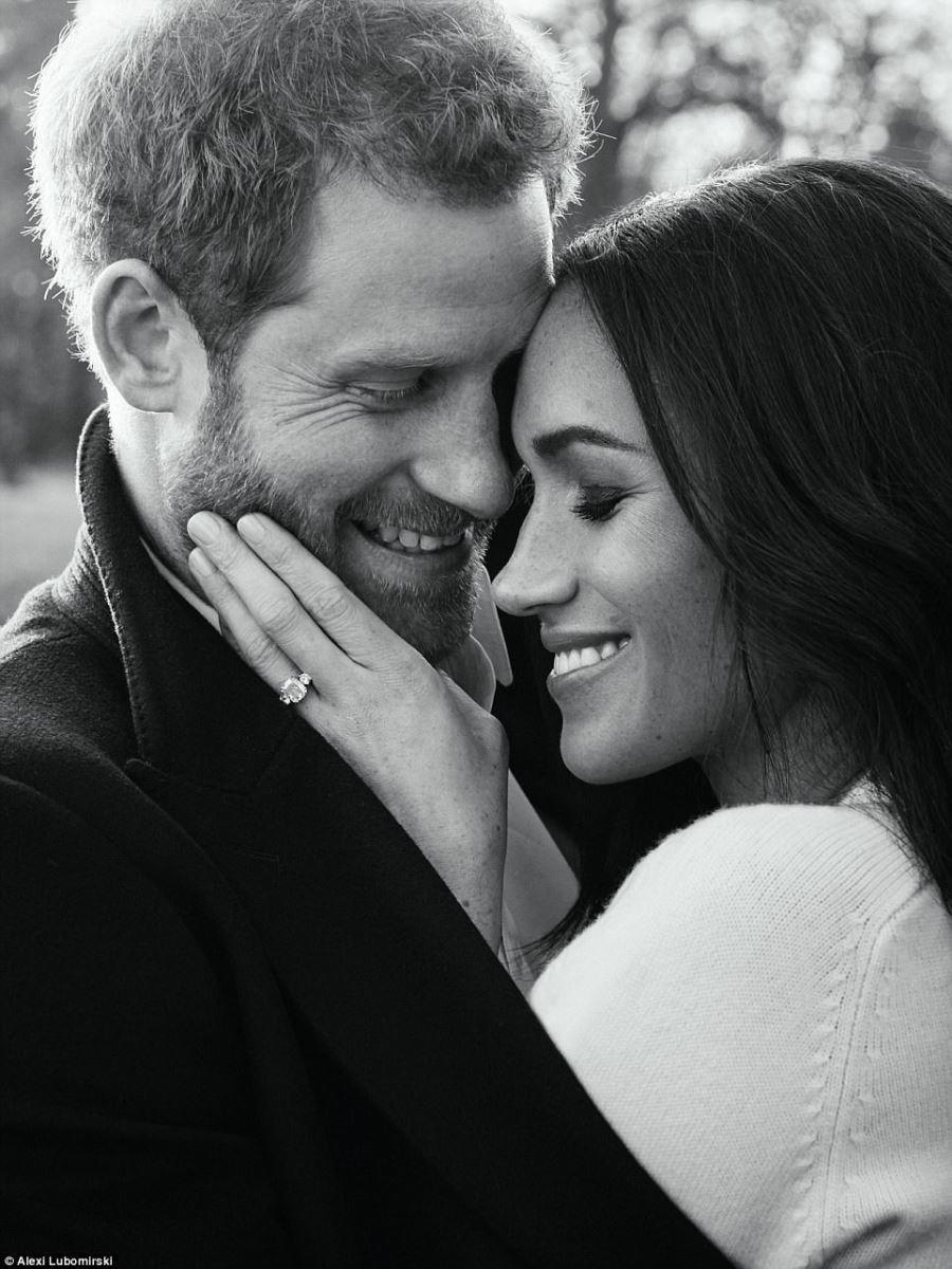 Vợ hoàng tử Harry chọn váy ngày đính hôn táo bạo nhất lịch sử-5