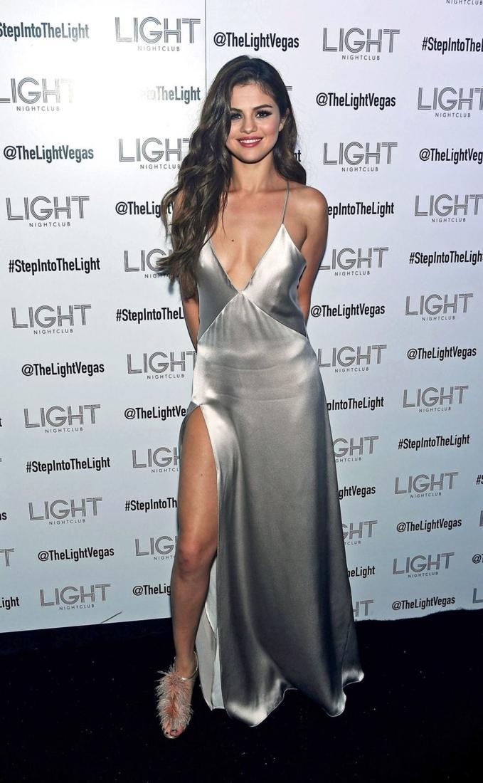 Thả rông mà đẹp như Selena Gomez hay Kendall Jenner thì không phải ai cũng làm được-5