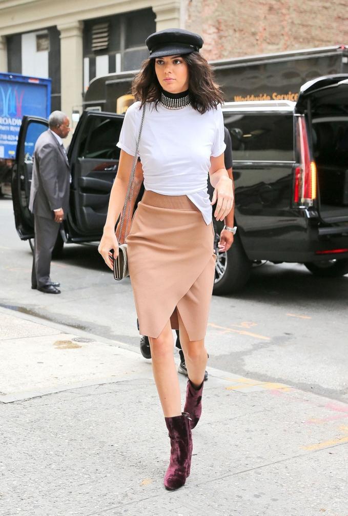 Thả rông mà đẹp như Selena Gomez hay Kendall Jenner thì không phải ai cũng làm được-8