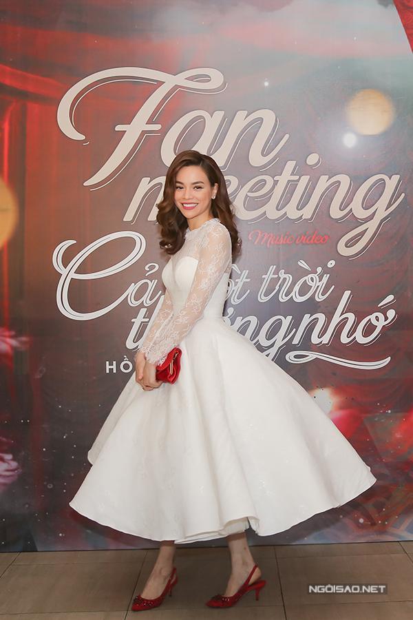 Top 5 nữ hoàng thảm đỏ showbiz Việt năm 2017-10