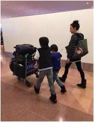 Cha Tạ Đình Phong để lại toàn bộ tài sản cho Trương Bá Chi và hai cháu-2
