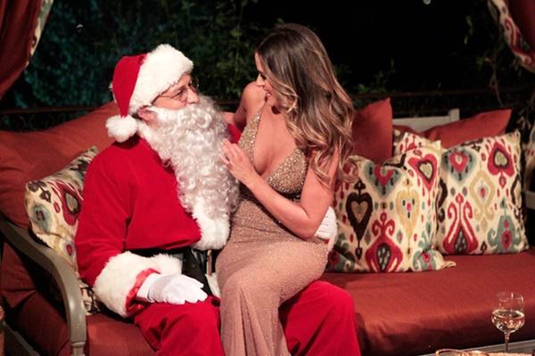 Ông già Noel bon chen đi tặng quà Giáng sinh-1
