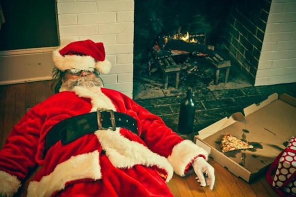 Ông già Noel bon chen đi tặng quà Giáng sinh-4