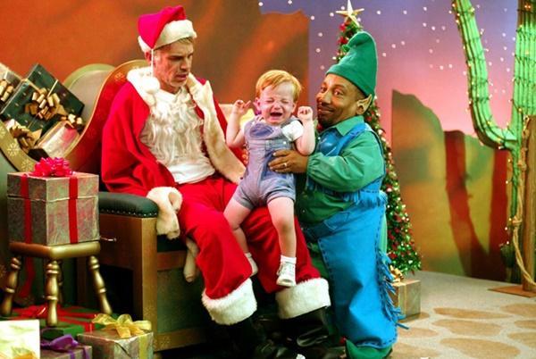 Ông già Noel bon chen đi tặng quà Giáng sinh-5