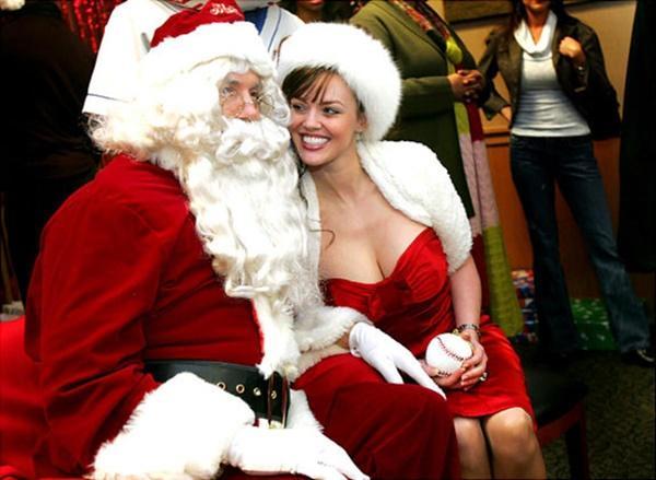 Ông già Noel bon chen đi tặng quà Giáng sinh-8