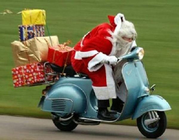 Ông già Noel bon chen đi tặng quà Giáng sinh-13
