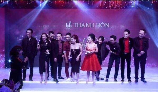Loạt hình ảnh cực kỳ hài hước chưa được tiết lộ trong lễ cưới Trấn Thành - Hari Won-6