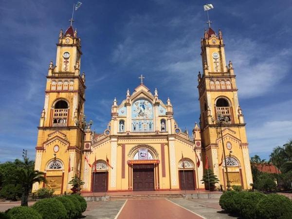 Nhân mùa Giáng sinh: Ngắm vẻ đẹp những nhà thờ Nam Định-4