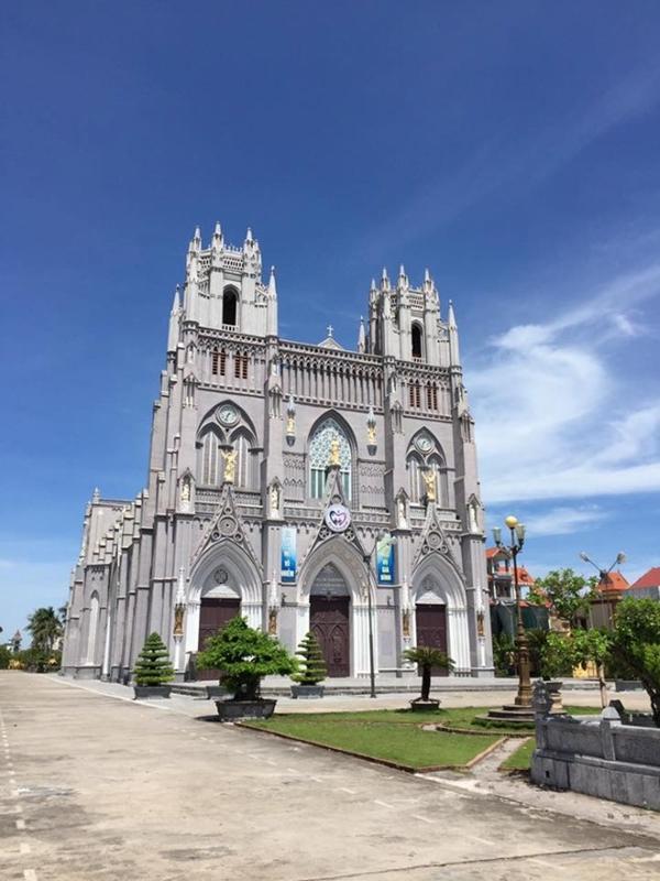 Nhân mùa Giáng sinh: Ngắm vẻ đẹp những nhà thờ Nam Định-5