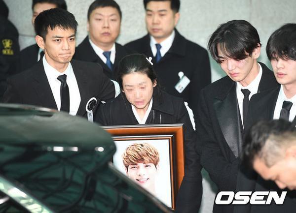 Fan xôn xao tin Jong Hyun (SHINee) hiến tạng sau khi qua đời-1