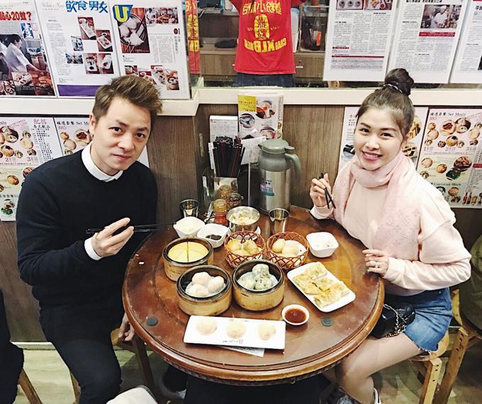 Vợ chồng Đăng Khôi choáng vì cảnh mua hàng hiệu như đi chợ ở Hong Kong-5