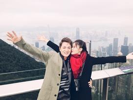 Vợ chồng Đăng Khôi choáng vì cảnh mua hàng hiệu như đi chợ ở Hong Kong